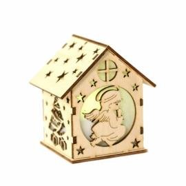 Дървена коледна къща - ангелче
