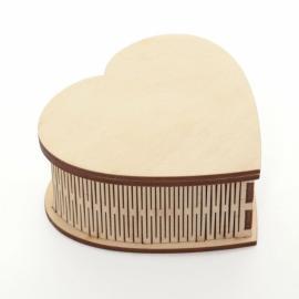Дървена кутия сърце 10,5 см